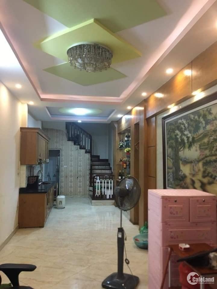 Nhà mới về ở luôn! Hoàng Hoa Thám,ngõ thông,vuông vắn,phân lô,38m,5T, 3.6 tỷ
