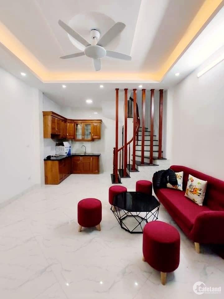 Bán nhà phố Thanh Am, phường Thượng Thanh, Quận Long Biên. 39m2, 3PN, Giá 2.15 Tỷ