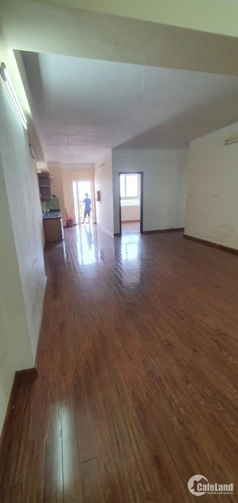 Cho thuê chung cư 25 tân mai Dt 130m, 3pn, đồ cơ bản giá rẻ