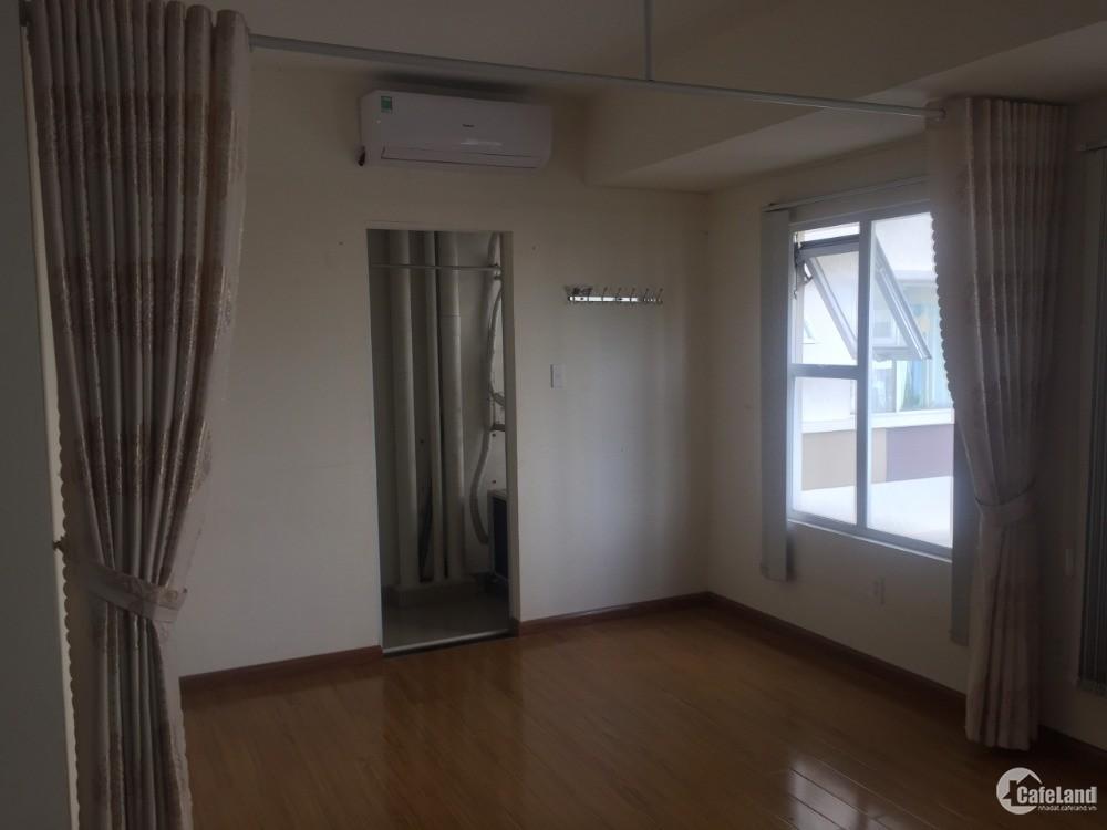 Cho thuê căn hộ flora fuji 55m2 có sẵn máy lạnh, rèm, tủ bếp trên dưới, sofa