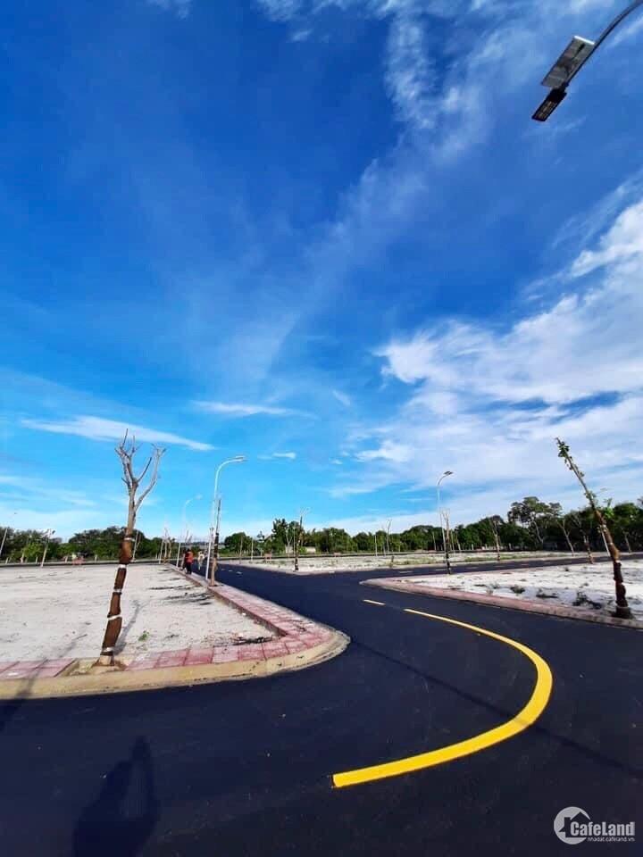 Bán đất ven biển Bãi Dài View Đầm Thủy Triều. Đường (30m) kết nối bến du thuyền.