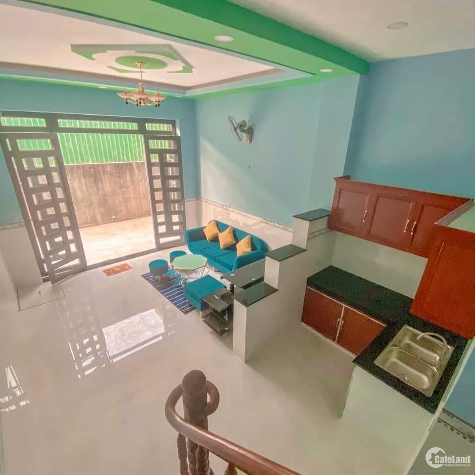 Nhà 1 trệt 1 lầu chỉ 670tr/căn nội thất đầy đủ dọn vào ở ngay, giáp Hóc Môn