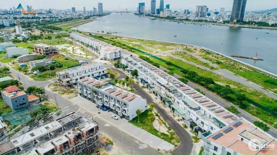 Bán nhà 2 mặt tiền view sông hàn Đà Nẵng .Hỗ trợ mua lại với chính sách 16%/năm