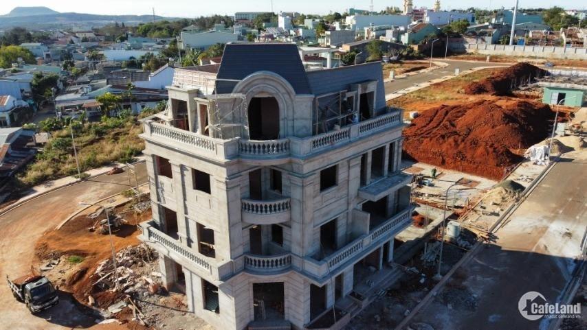 Bán nhà phố 1 trệt, 3 lầu như hình. Thanh toán 1 tỷ 218 triệu là nhận nhà