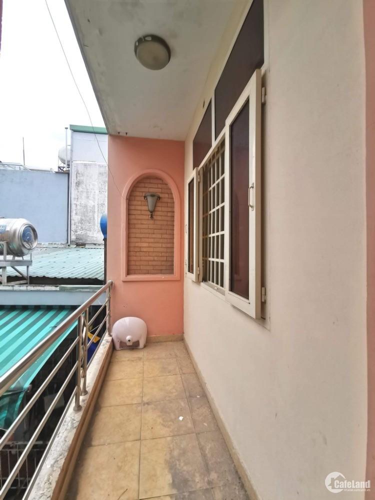 Bán gấp nhà HXH Nguyễn Văn Đậu 3 tầng 70m2, ngang 6 m, giá chỉ hơn 3 tỷ