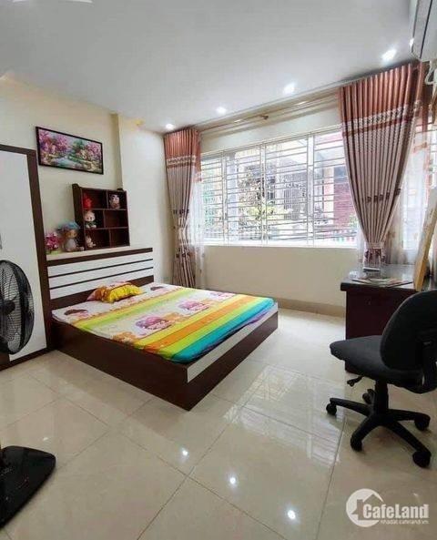 Bán nhà Trương Định 34m 5 tầng đẹp ở ngay, 3 ngủ, giá 2 tỷ 5