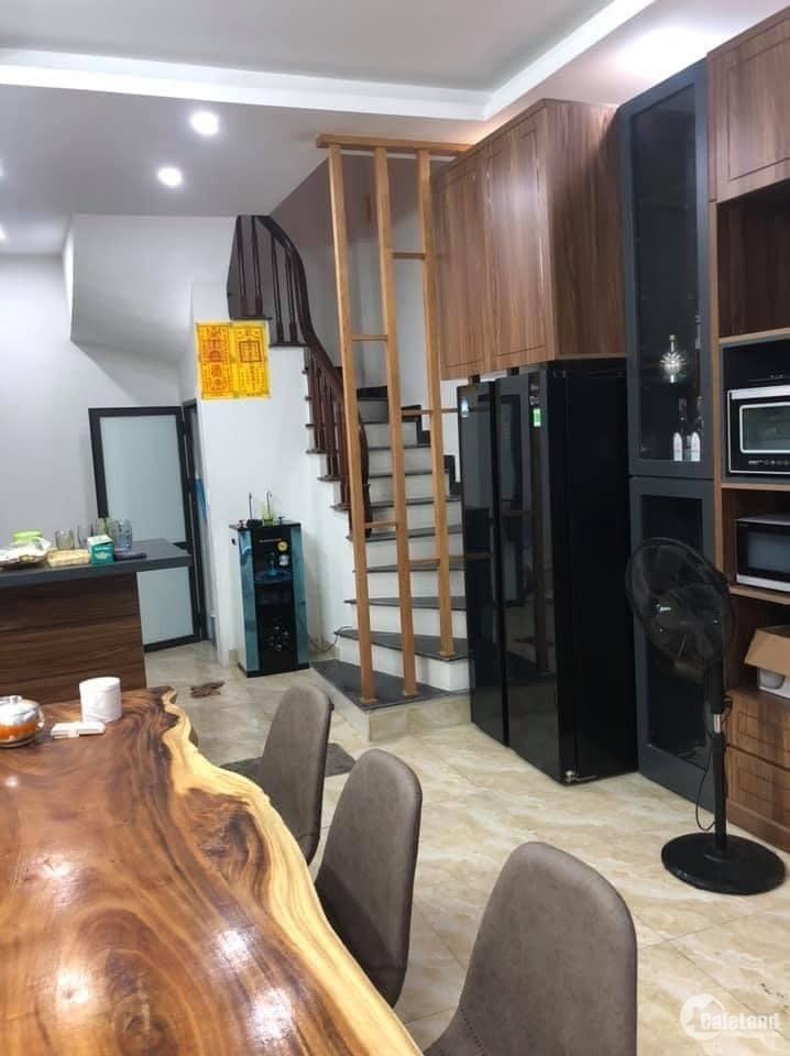 Nhà mặt ngõ An Dương Vương, Tây Hồ, ôtô vào nhà, kinh doanh 50m2, 3.7 tỷ.