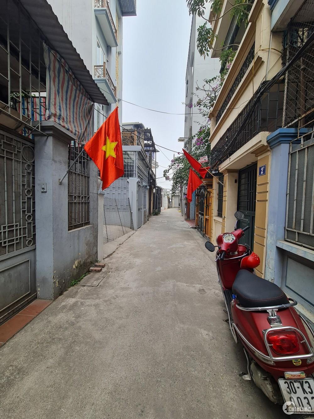 Cực hiếm nhà phố Ngọc Thụy Long Biên 65 m2 x 4T x4m MT chỉ 3.5 tỷ: LH 0981022048