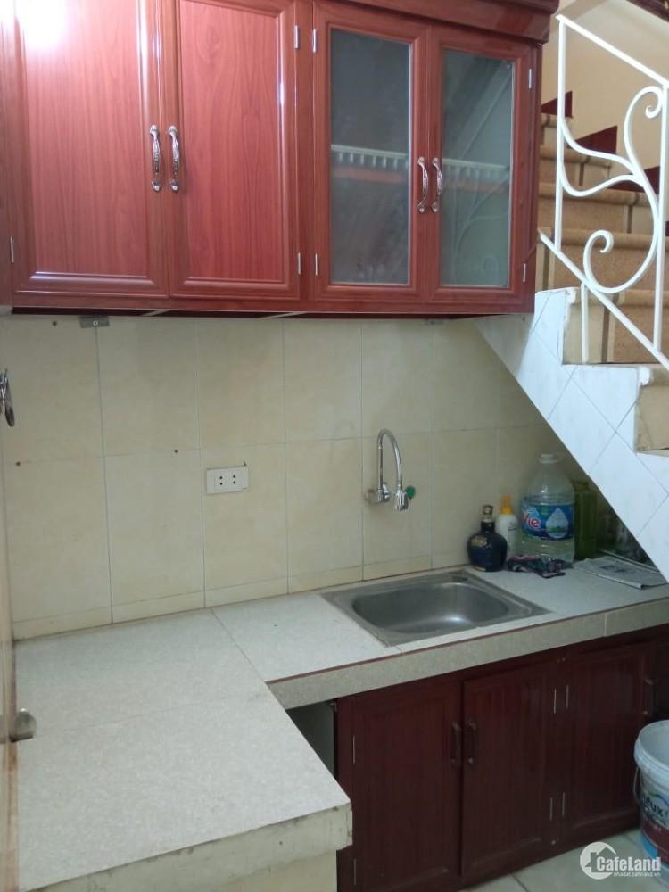 Cho thuê nhà 3 tầng phố Kim Ngưu nở hậu oto đỗ cửa