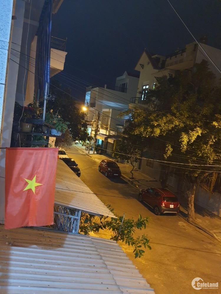 Bán nhà đường số 1 quận Tân Bình, xe hơi vào nhà 90m2 giá chỉ 8.8 tỷ