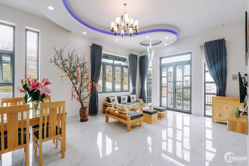 Bán biệt thự 204 m2 đã hoàn công  FULL nội thất 5 PN đường Nam Hồ, P.11, Đà Lạt