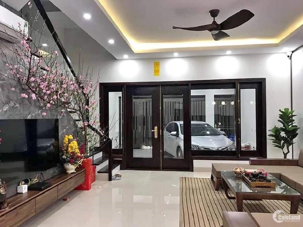 Bán nhà mặt phố Nguyễn Chí Thanh. Vỉa hè, oto, KD. 75m2 5T MT7m nhỉnh 25 tỷ