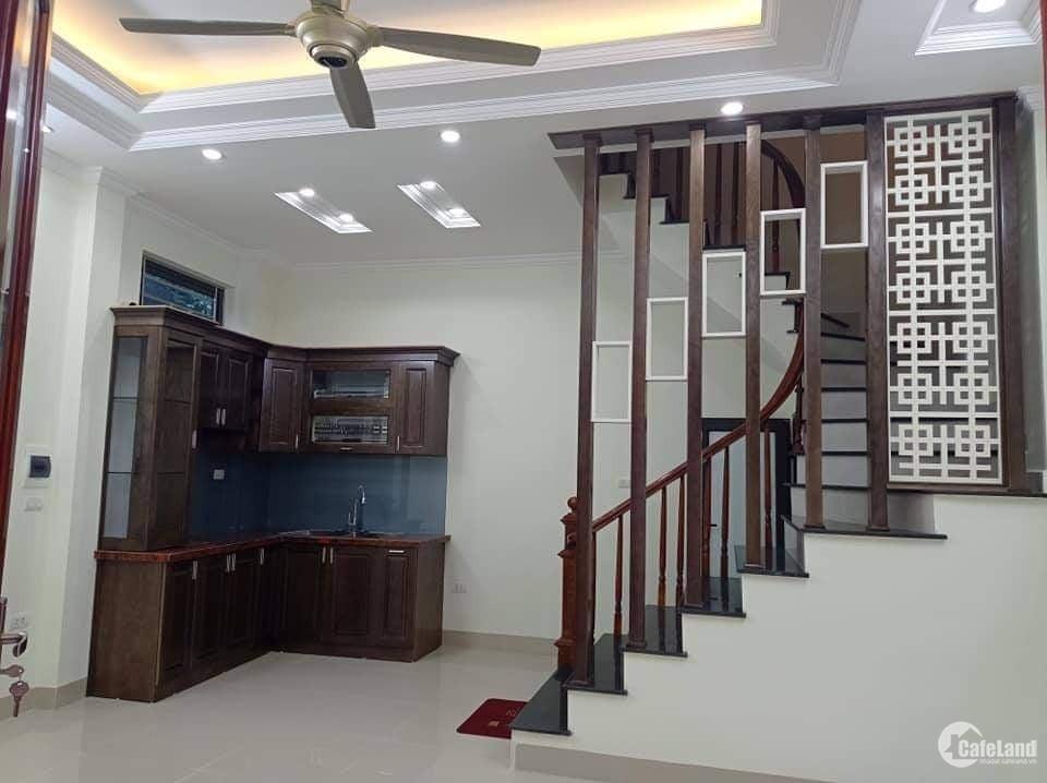 Bán nhà 30m2 5 tầng phố Minh Khai ô tô đỗ cách 25m giá 3.4 tỷ