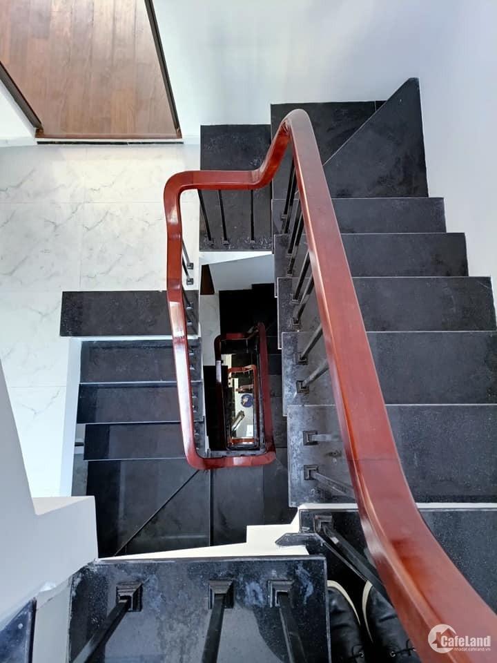 Bán nhà Minh Khai, 37m2 5 tầng MT 3.5m, nhà đẹp ở ngay chỉ nhỉnh 3 tỷ.