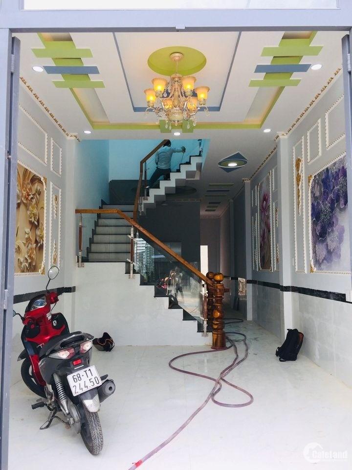 Nhà sổ riêng ngay trường THCS Tân Phước Khánh