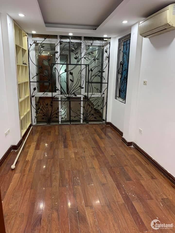 Bán gấp nhà 6 tầng, mặt tiền kinh doanh trung tâm quận Thanh Xuân, giá hơn 5 tỷ.