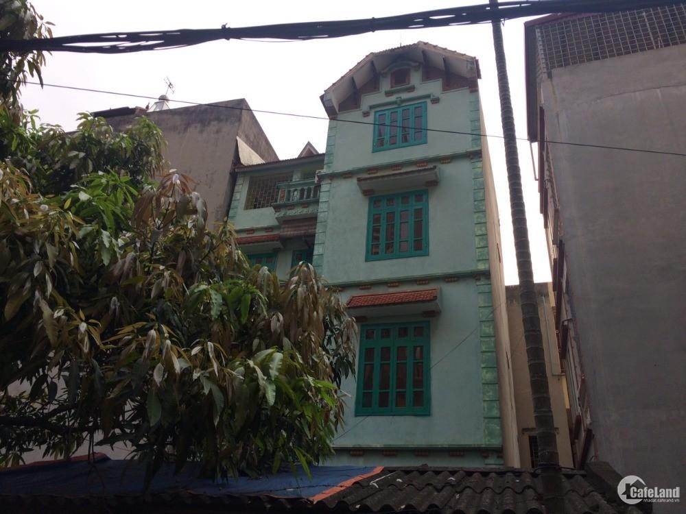 Nhà 4 tầng 200m2, sổ đỏ chính chủ, yên tĩnh thoáng mát ngõ 304 Hồ Tùng Mậu