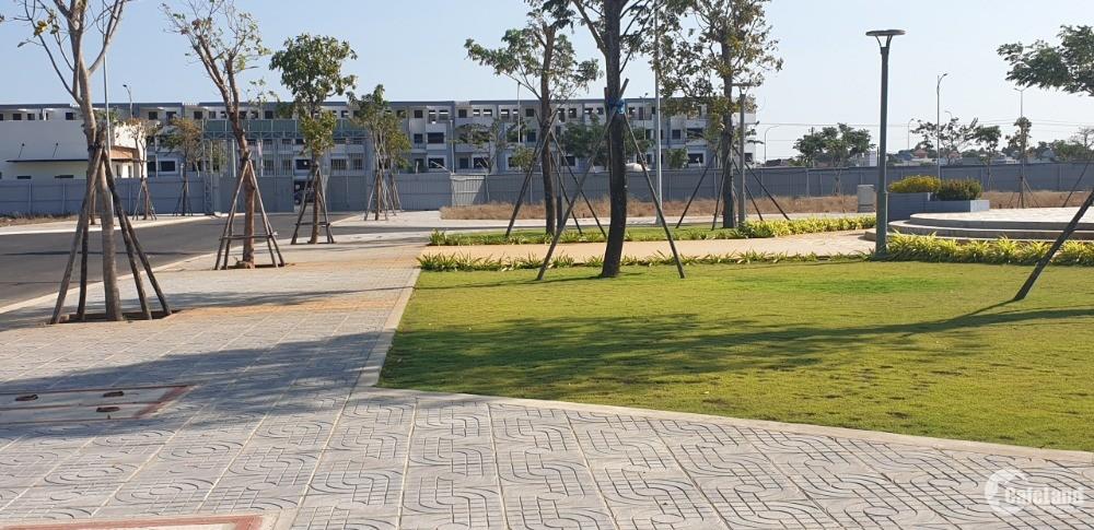 Bán lô đất 6x20m ngay mặt tiền QL51 gần bến xe Bà Rịa đối diện công viên 2,2 tỷ