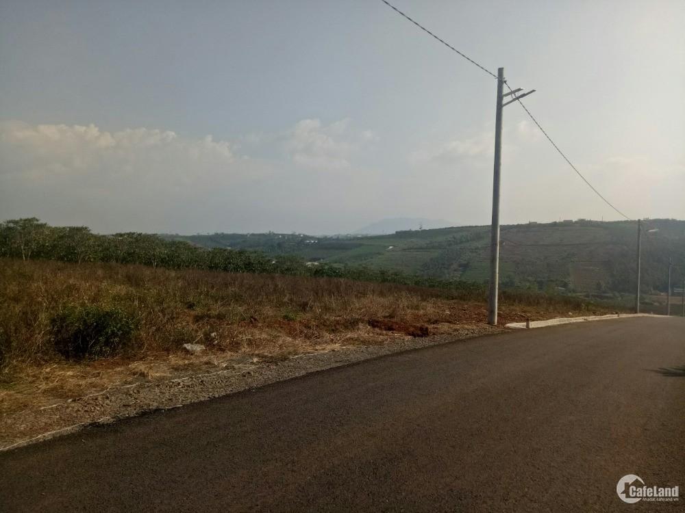 Bán Gấp Miếng Đất Cách Tt Tp Bảo Lộc 2Km View săn mây, 900M2,Giá Thương lượng