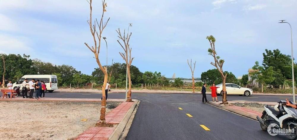 Đất Ven Biển, Vị Trí Chiến Lược , Đường QH 40m, Đường nhựa 16m, Gần Sân Bay
