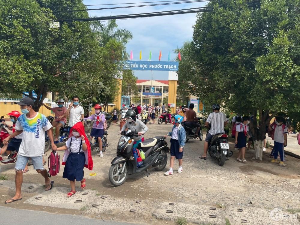 Cần tiền bán gấp lô đất 275tr có thổ cư, sổ riêng, gần trường học Phước Trạch,Gò