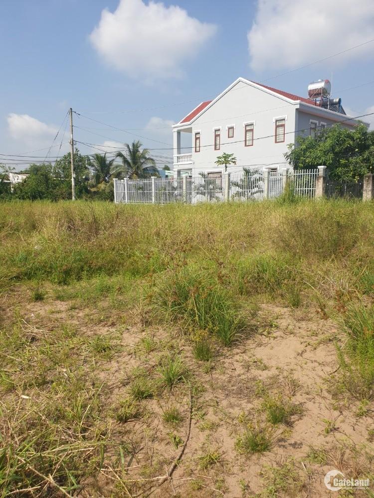 86m Đất và căn nhà cạnh bờ sông ngay cầu Tân Nhựt, Bình Chánh Giá 1 tỉ 7.