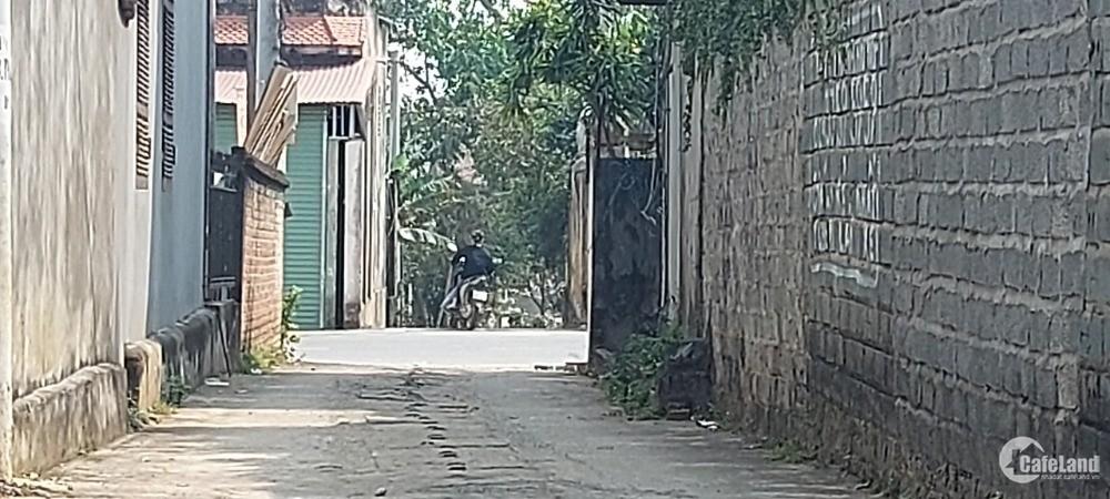 Bán nhanh lô thổ cư, mặt tiền 20m, trung tâm xã Hòa Thạch, giá tốt.