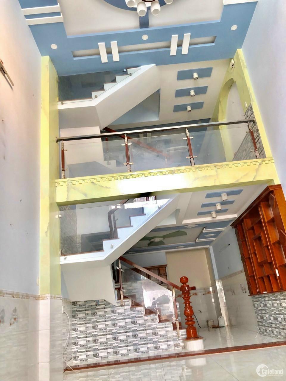 HẺM XE TĂNG, 61m2, 4 tầng, Nguyễn Ảnh Thủ, q.12, 5ty150tr full nội thất