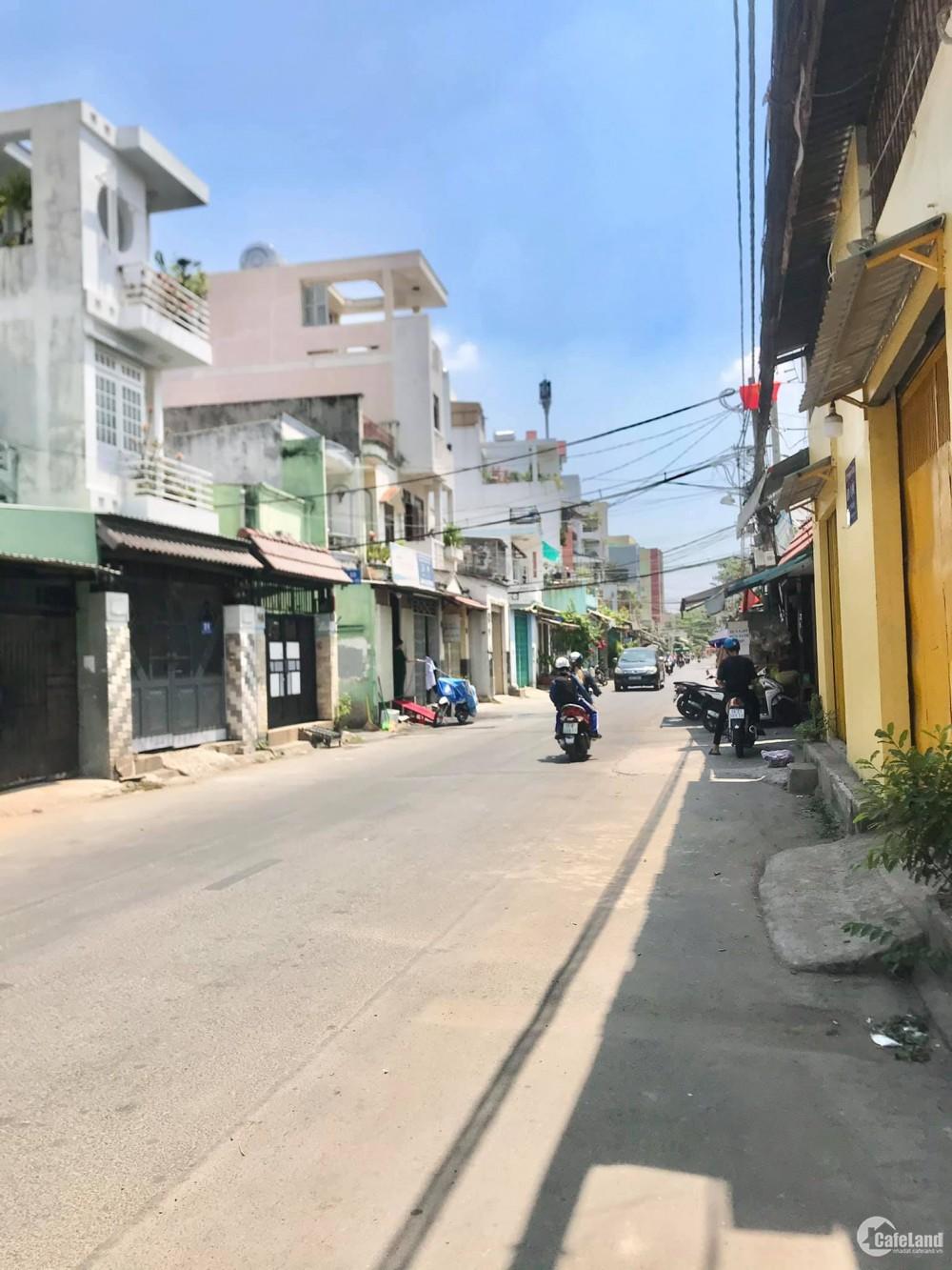 Bán nhà Mặt Tiền Kinh Doanh Hoà Bình 10m x 20m Ngay Đầm Sen giá 20 Tỷ