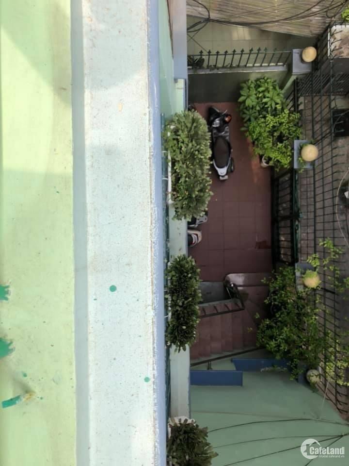 Căn hộ 70m2 cao cấp 1 phòng ngủ tại Tạ Quang Bửu giá 8tr/tháng