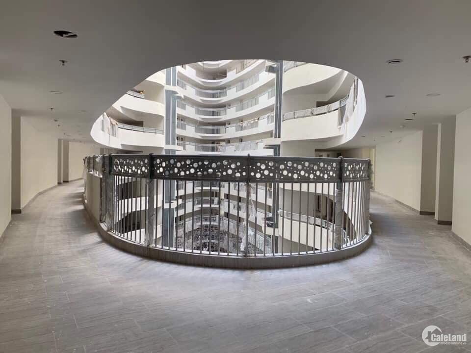 Gấp!! Căn Hộ 2PN, Tầng 6 full nội thất đẹp giá 2,7 tỷ LH: 0942.882.192
