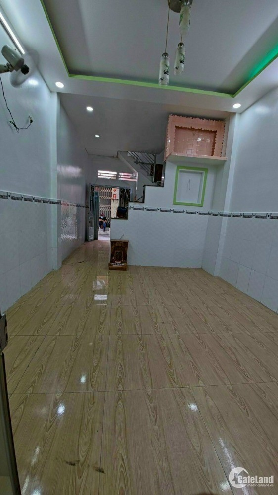 3,7x9 Nhà 2 mặt hẻm trước sau 216/ Lê Thị Bạch Cát - phường 11, quận 11 .