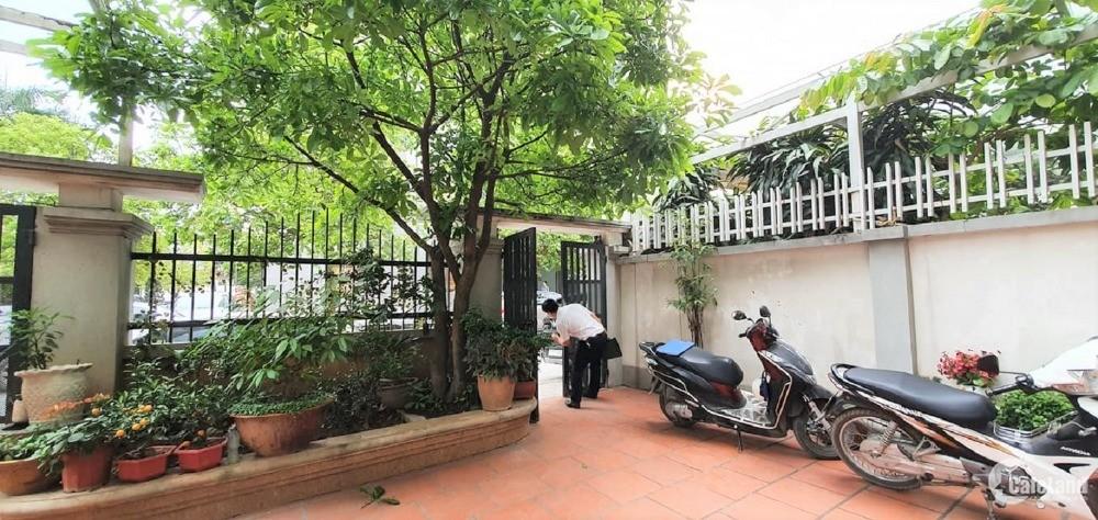 Bán biệt thự Nguyễn Trãi, vỉa hè, ô tô, KD. 198m2 4T 21 tỷ