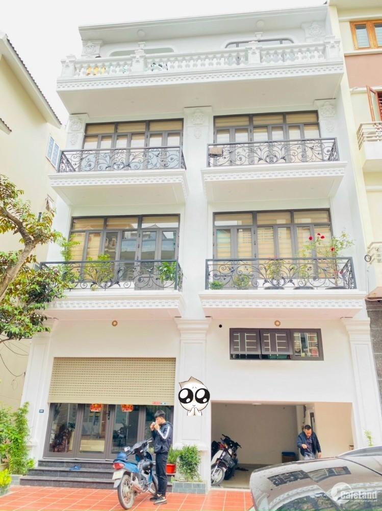 Bán nhà mặt phố Phạm Xuân Huân, TP HD, 4 tầng, 54m2, mt 9m, gara, giá cực tốt