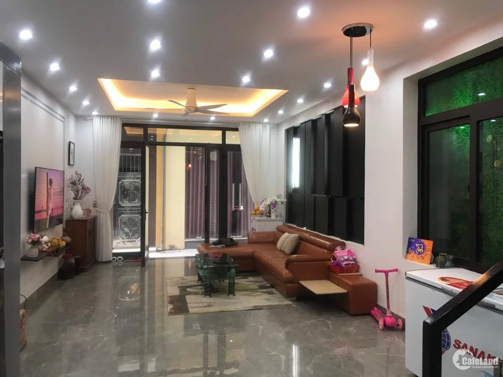 Bán căn nhà 3 tầng tại trung tâm Cái dăm Hạ Long
