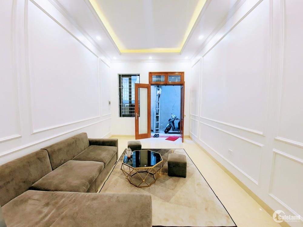 Bán nhà Trương Định, nhà mới, 5 tầng, 3 ngủ, tặng nội thất, 3.2 tỷ.