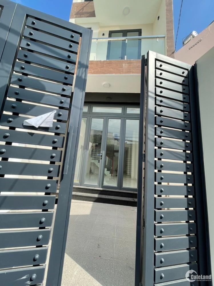 Bán nhà 3 tầng mới xây, hẻm thông Trần Văn Đang, P9, Quận 3, giá tốt.