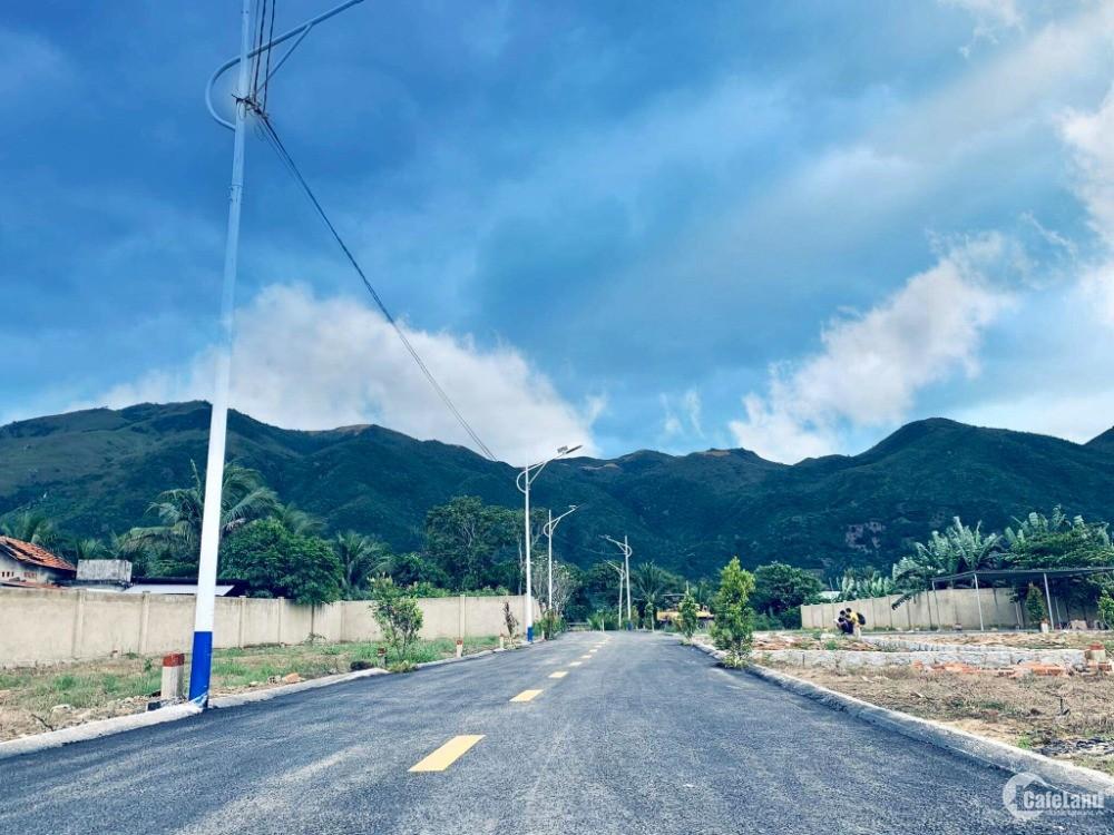 Bán đất khu dân cư mới (vừa sáp nhập TP Nha Trang). Đường nhựa (6m) sổ đỏ thổ cư