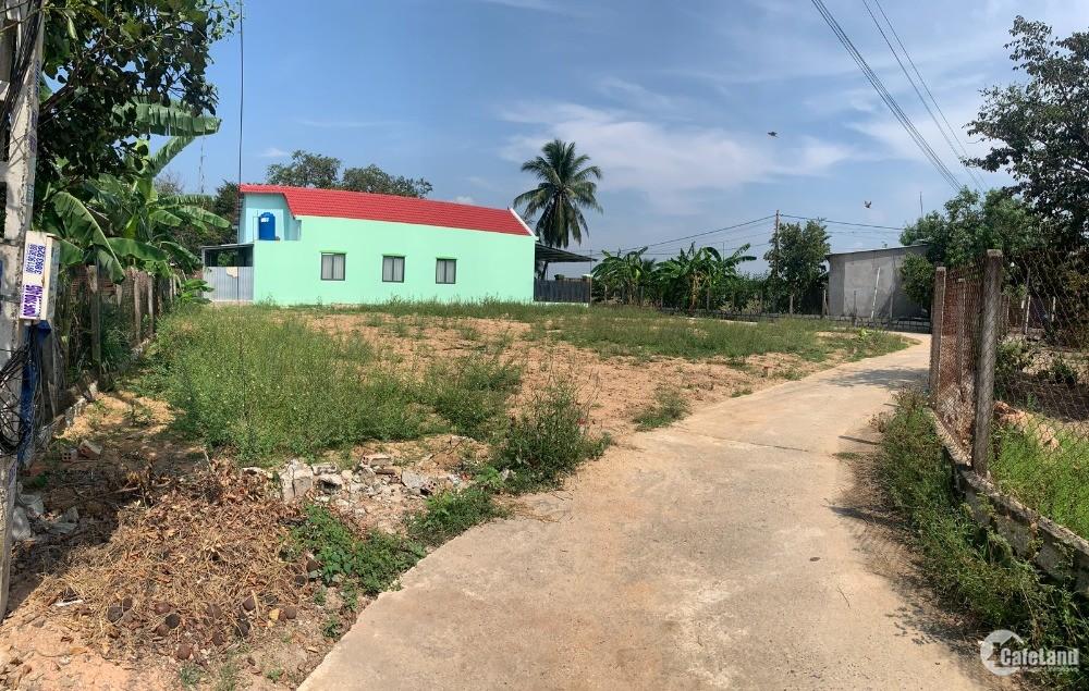 Bán đất xã Bình Lộc đối diên TTHC Mới Diên Khánh 100.3m2 giá 360 triệu