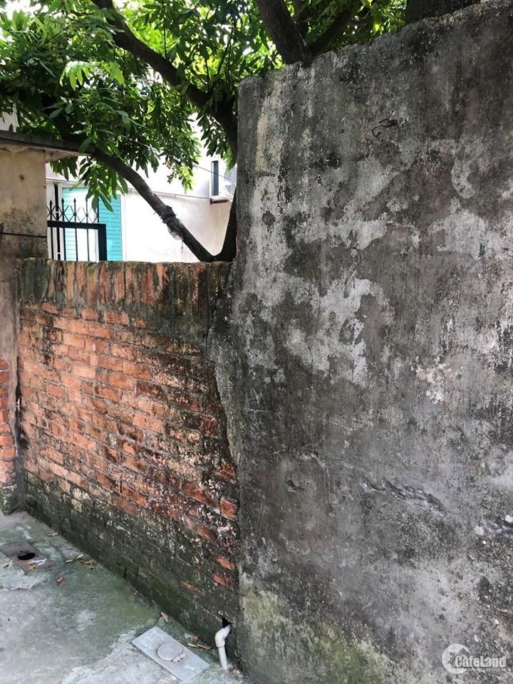 Bán đất Trâu Quỳ -46m2 Viện rau A –2 mặt tiền –Tặng nhà ở ngay.0982852808