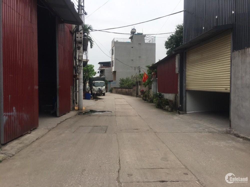 SĐCC bán gấp 271m xóm 8 Đông Dư có thể phân lô, làm xưởng, đường trục chính