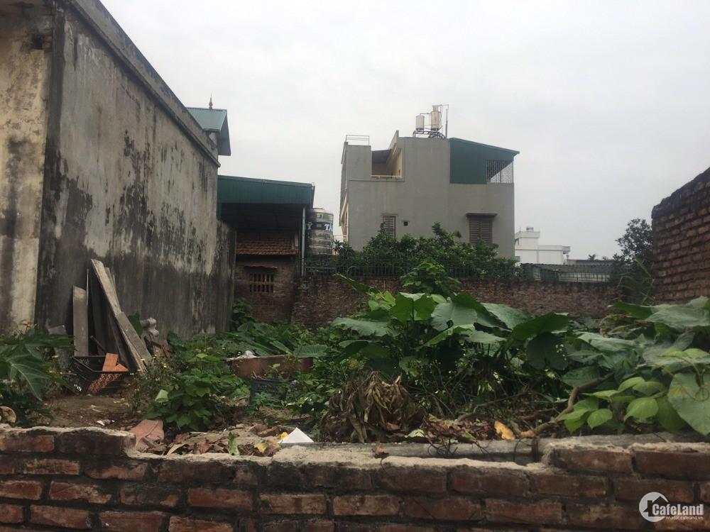 Chính chủ bán đất đẹp 96,5m mặt đường 42 thông sang 95 Phố Bòm, Sài Đồng
