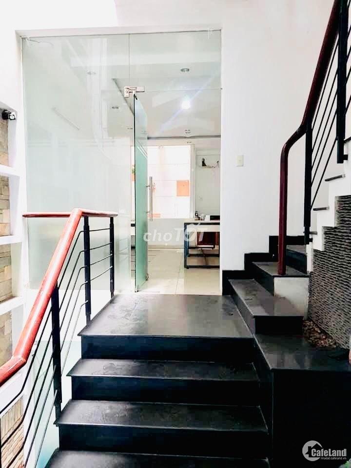 Nhà MT cho thuê Nguyễn Thị Thập Quận 7 .DT: 4x20m vị trí đẹp. Giá ; 40tr/tháng.