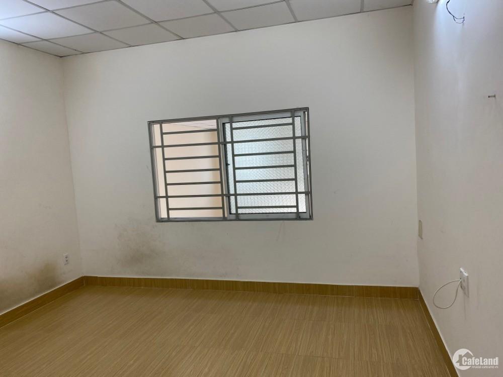 Cho thuê nhà nguyên căn DT: 100m2 đường Nguyễn Thị Định, Q2