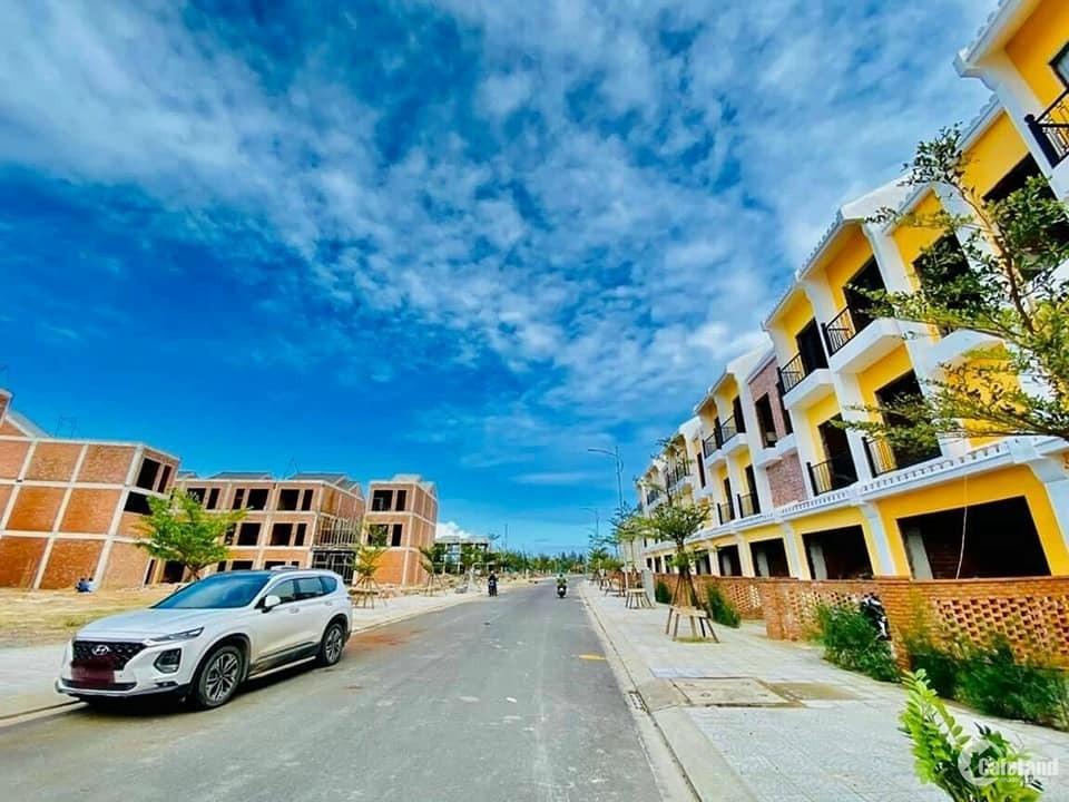 Chính chủ cần bán nhà 3 tầng đẹp 100m2 MT, view sông khu phố tây Hội An.
