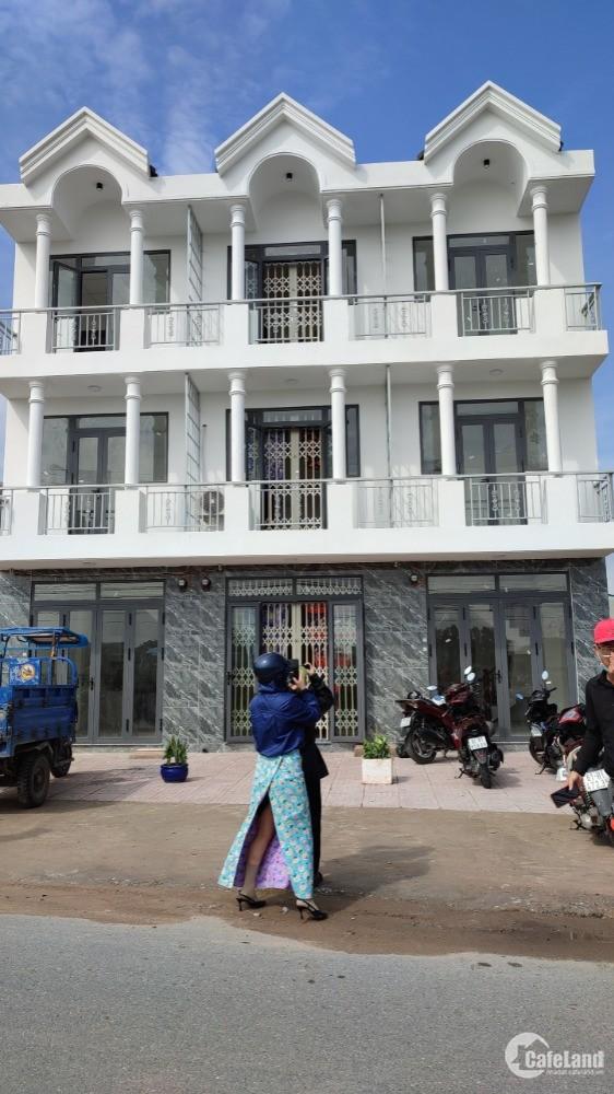 Nhà phố liền kề 1 trệt,1 lầu, 2pn, 1wc giá 470- 770tr, bao giá toàn khu