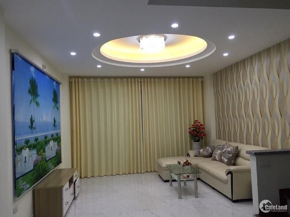 Bán nhà Ngọc Lâm, Long Biên 42m, 4 tầng, nhỉnh 3 tỷ.