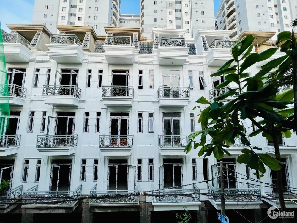 Nhà Thương Mại Shophouse kinh doanh ngay, sổ hồng có sẵn, quận Tân Phú