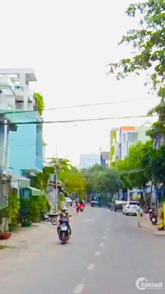 Bán nhà mặt tiền Lê Đình Thám Tân Phú, 100m2 nở hậu giá 11.2 tỷ