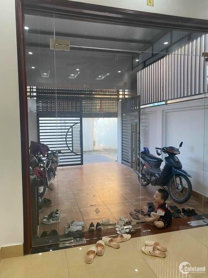 Cần bán nhà phố An Ninh, TP HD 3 tầng, 94.4m2, 4 ngủ, có sân cổng gara, chỉ 2.75